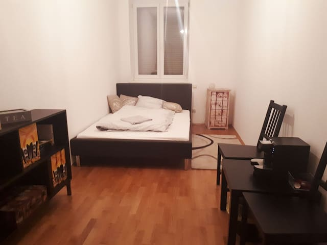 Spacious double room in central location