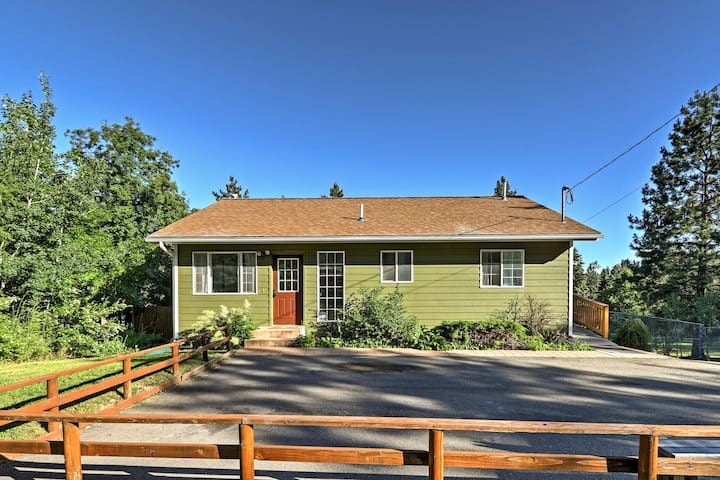 Located a short walk from Flathead Lake, this home for 10 is an outdoor paradise.