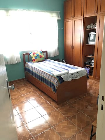 Clean and comfortable bedroom - Taguatinga