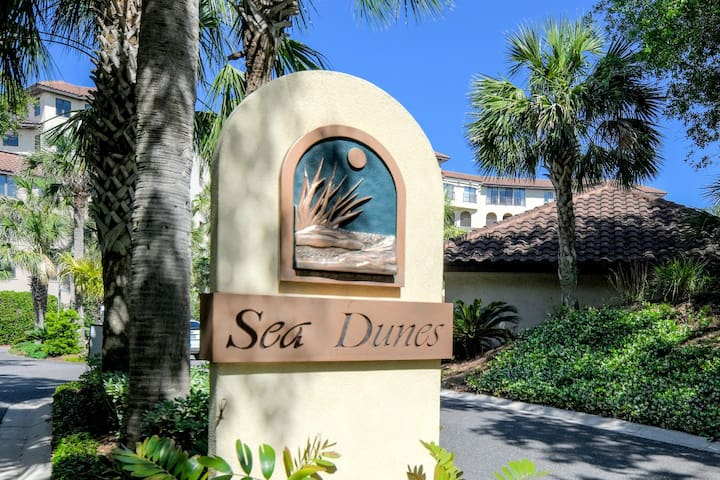 Sea Dunes Building Entrance