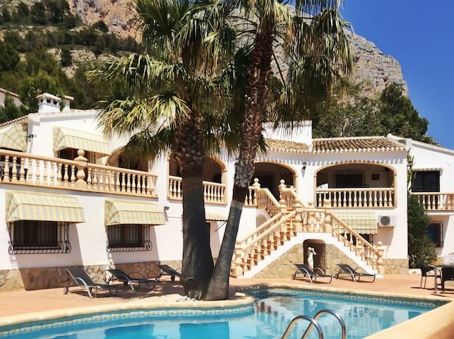 Spacious villa w/ pool and terrace - Javea - Vila