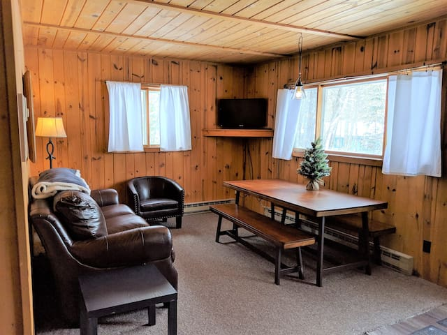 POV Resort Cabins, Owl's Nook (2 Bdrm) - Unit 6