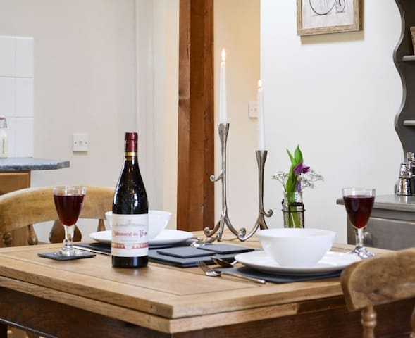 THE NOOK - Coastal Wood Holidays - Nr Amroth Tenby - Marros - House