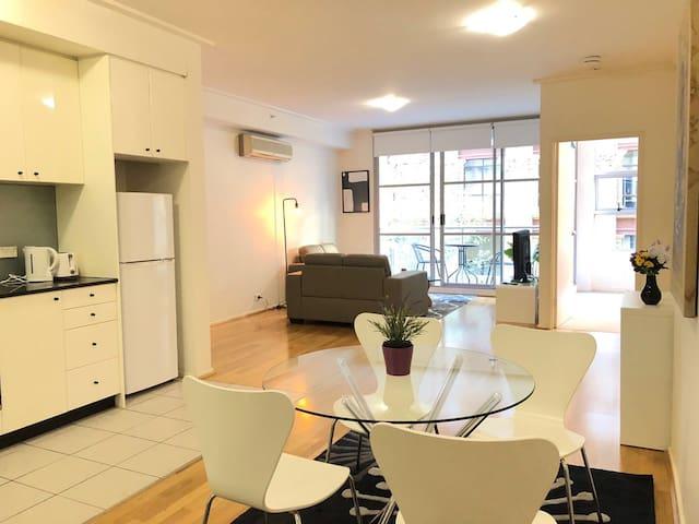 Inner city modern stylish one bedroom apartment
