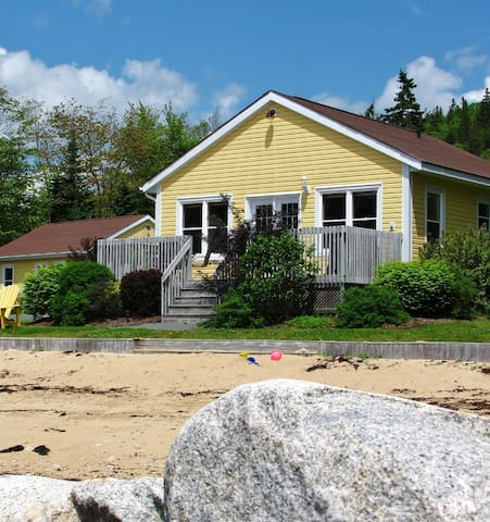 1BR Cottage Rental Oceanfront in Nova Scotia