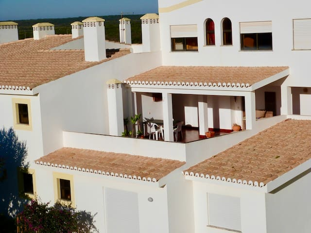 Apartment with balcony and patio, sea view - Wi-Fi
