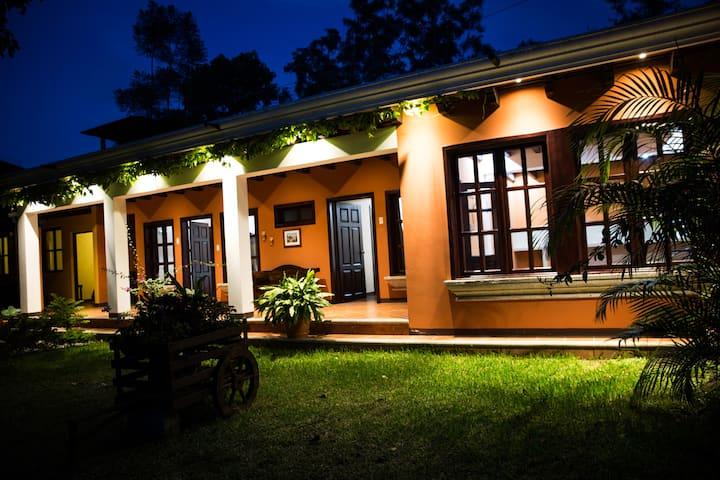 Casa Los Búhos