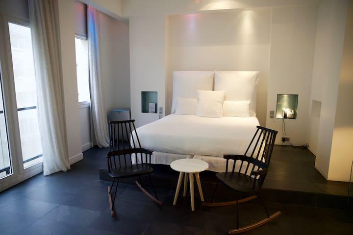 Chambre privée de 40m2 à l'hôtel 1K