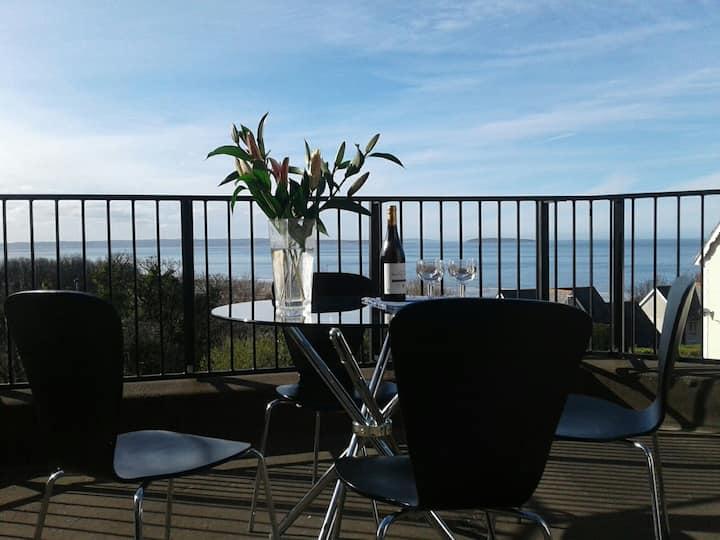 The Balcony Apartment at Bryn Hedd (sleeps 8)