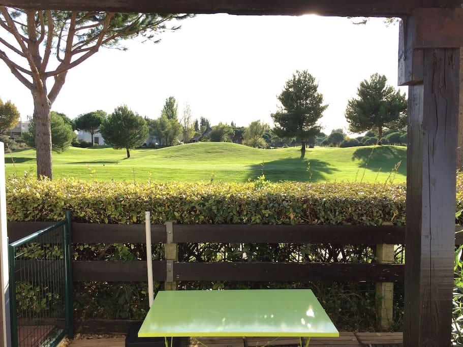 Maison vue golf avec piscine calme maisons louer la for Camping la grande motte avec piscine