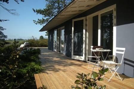 Designers hus, ugeneret, stilfuldt med skøn udsigt - Sjællands Odde - Dom