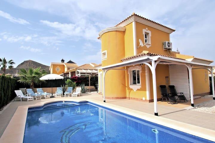 Freistehendes Ferienhaus, 6 Personen, mit eigenem Pool im Resort in der Nähe von Mazarrón