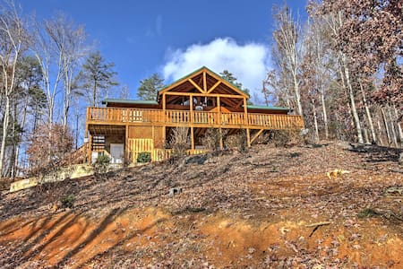 Private 3BR Near Gatlinburg and Pigeon Forge! - Cosby - Blockhütte