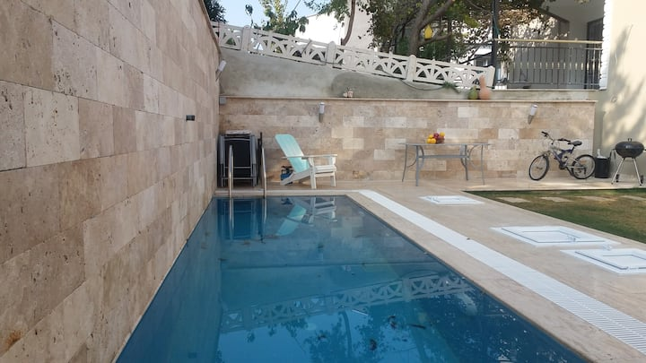 PRIVATE VILLA WITH POOL & 8 MINUTES WALK TO BEACH