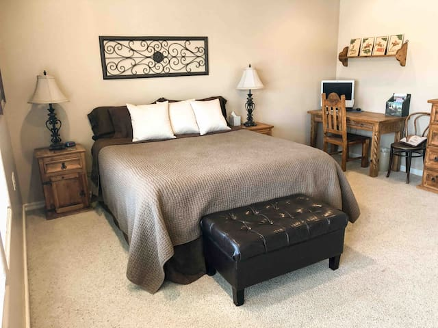 Spacious Cal King VERY COMFORTABLE expensive bed...walk in closet