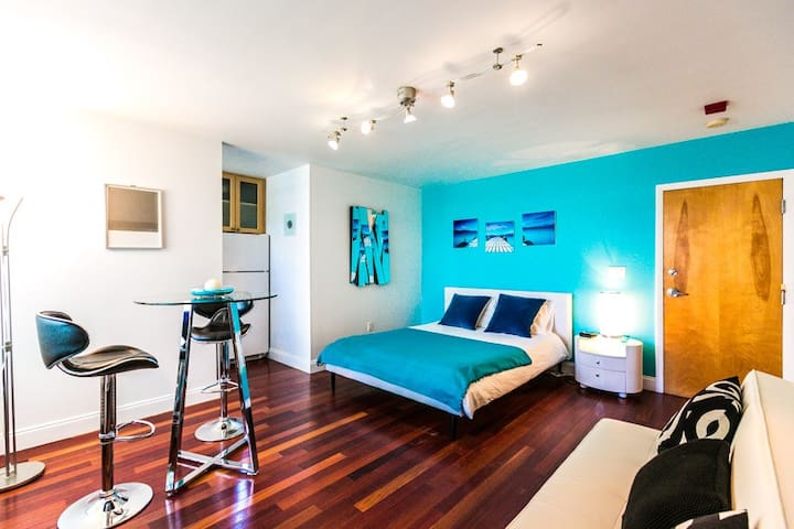 South Beach  Studio with Pool Close to the Beach
