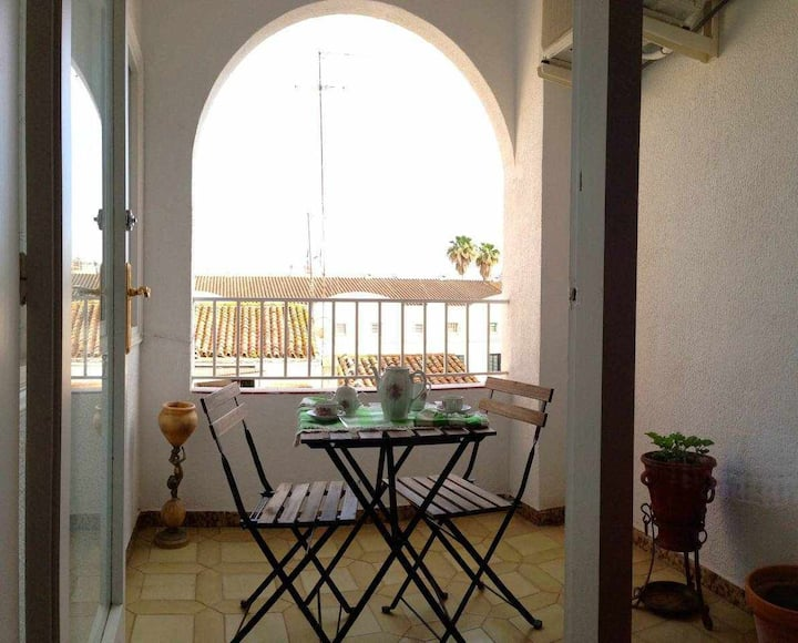 COZY APARTMENT NEAR TO BEACH, 5 PAX, CALELLA