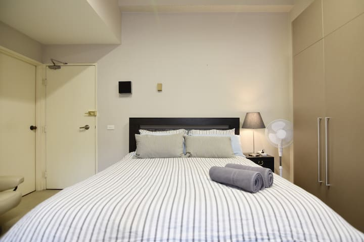 Cozy Circular Quay Studio, Top Location, FREE WiFi
