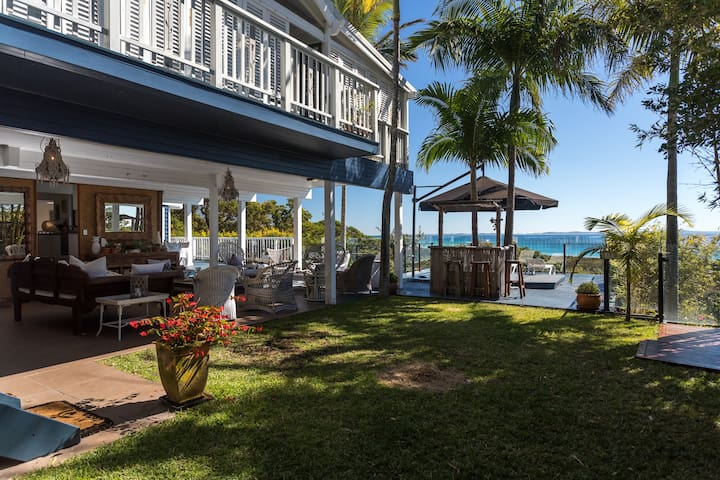Straddie Chill - 2 Storey Ocean View Beach House