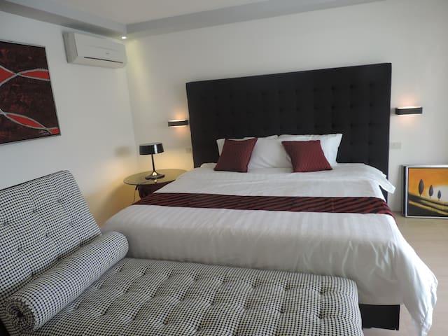 Executive Suite @ GreenOlive Garden - PH - Bed & Breakfast