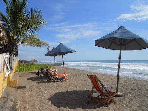 Spacious room Oasis, front beach !