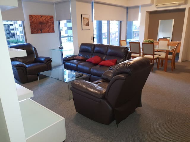 Stunning 2B in the heart of the CBD