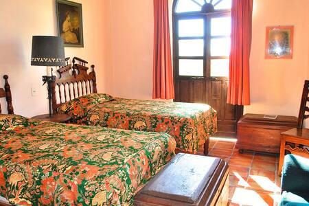 The House of Rising Sun, Erika Room - San Miguel de Allende