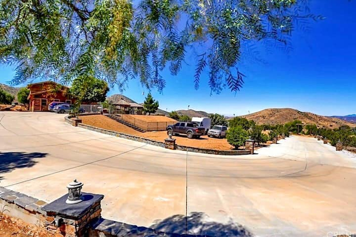 CUSTOM RANCH HOME WITH VIEWS