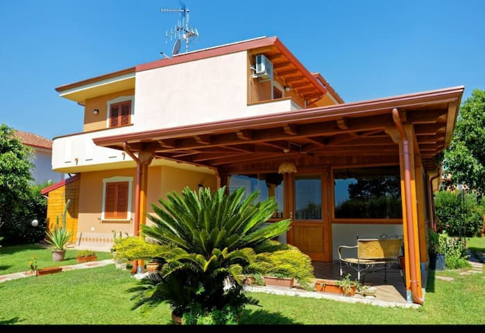 Bed & Breakfast La Villetta - Botricello