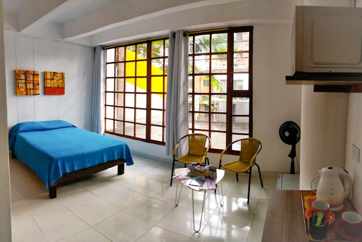 Perfect located Studio Lleras Park/ Poblado