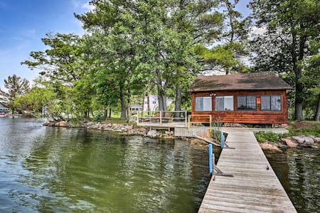 Riverfront 1000 Islands Cabin on Pvt Island!