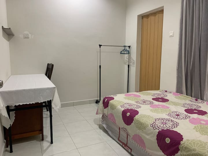 Master Room4 @Setia Residen, gated & guarded