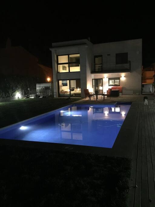 Exterior con piscina privada