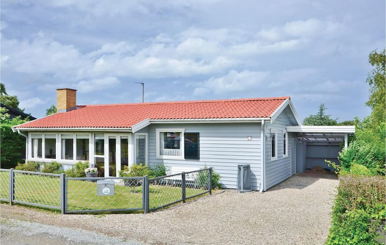 Holiday cottage with 2 bedrooms on 67 m² in Kerteminde