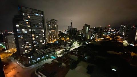 Cosmo View iz San Joséa, U blizini zračne luke