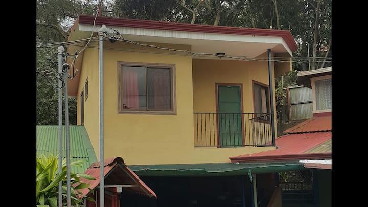 Casa en Ciudad Colon en un rincon muy tranquilo