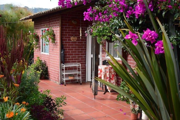 Casa Canela - Private House in Cajica!