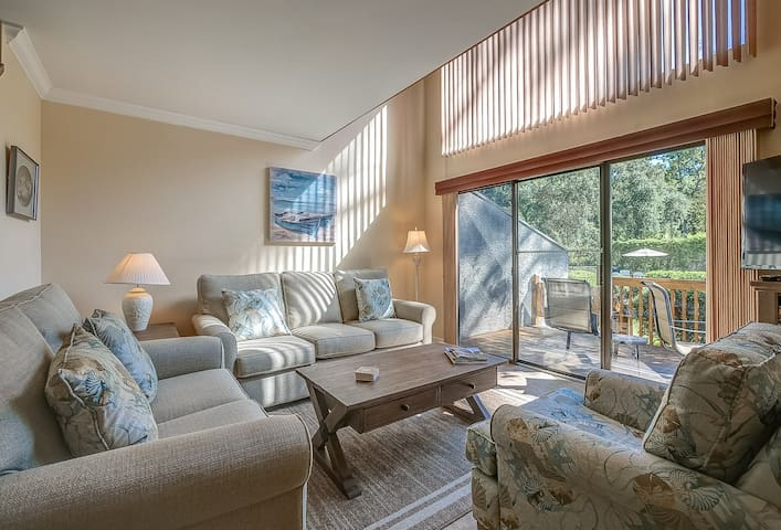 8 Ocean Gate - Beach Haven! Newly Furnished & 200 yards to the beach.