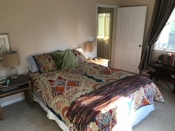 Oh-So-Spacious in-law suite in walkable Decatur