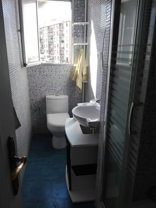Bathroom/ salle de bain/ baño