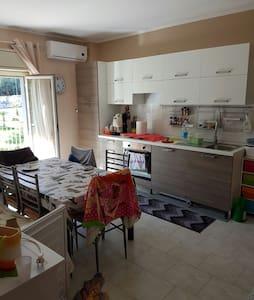 A due passi da Taormina - Taormina - Apartamento