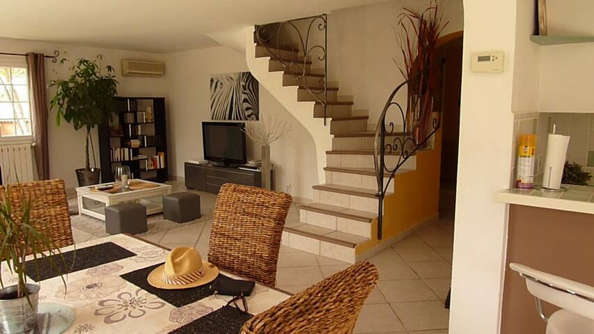 Villa F5 piscine  chauffée  12X5 - Prades-le-Lez - Casa