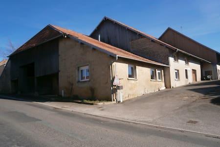 2 chambres a loué dans un  village du DOUBS 25