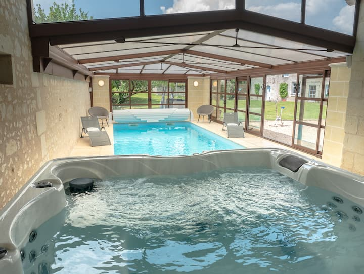 Luxury Holiday Home With indoor Pool Spa and Sauna