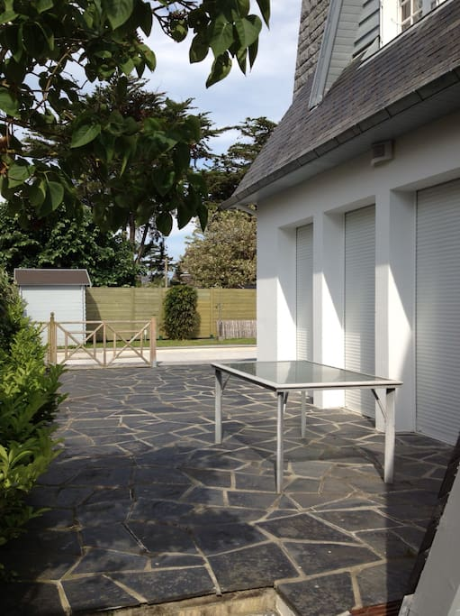 Maison avec piscine bord de mer villas for rent in for Camping normandie bord de mer avec piscine