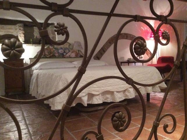 Camera da letto  con bagno privato2 - San Giovanni in marignano - Casa