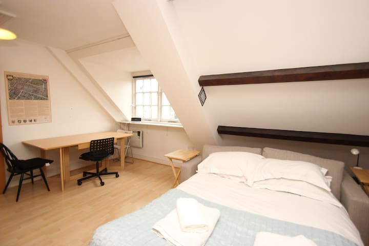 City Centre Studio St Aldates/Colleges/Courts