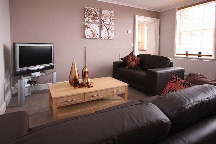 Montague House 1A Serviced Apartment, Free Wi-Fi