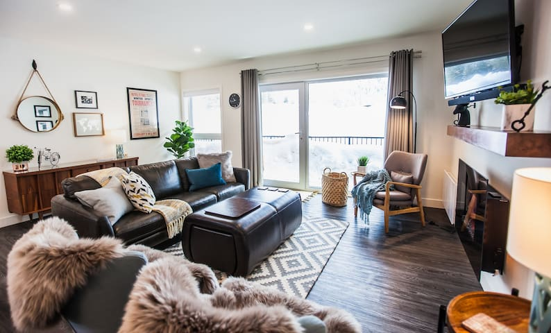 Living room & door to patio