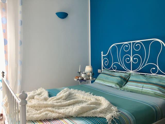 Blue Room Amalfi Authentic Experience Italian